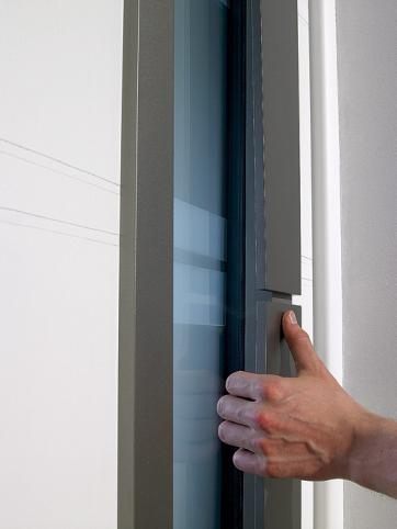 7_belm-porte-dentree-aluminium-chrystal-detail.jpg