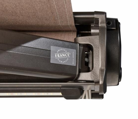 10_Store Coffre Franciaflex modèle Felicia - Coloris armature MANGAN satiné - Support des bras.jpg