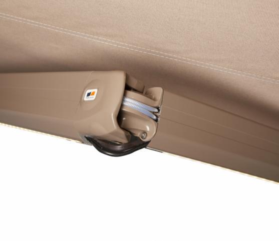 11_Détail coude du bras à double câbles gainés -OPTION LEDS intégrées et télécommandées.jpg