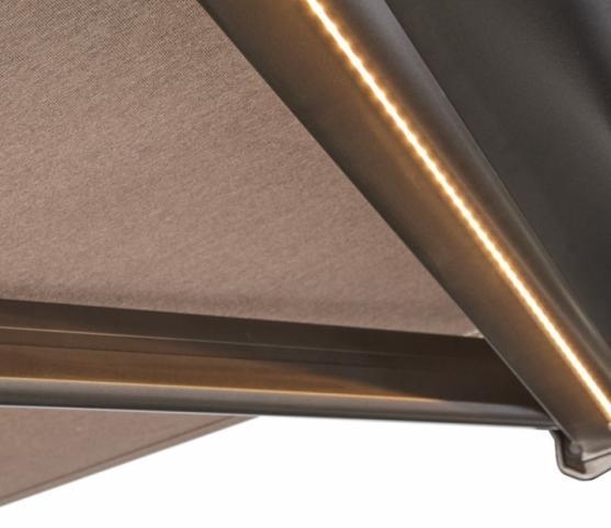 12_Store Coffre Franciaflex modèle Felicia - Coloris armature MANGAN - Toile Dickson coloris U137 - OPTION LEDS intégrées aux bras.jpg