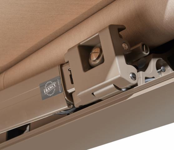 12_Support de Bras du Store Coffre modèle Allure - Coloris RAL 7006 .jpg