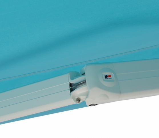 8_Détail bras à câbles gainés -Store banne traditionnel FRANCIAFLEX modèle Figari - Armature RAL 9010 Blanc.jpg