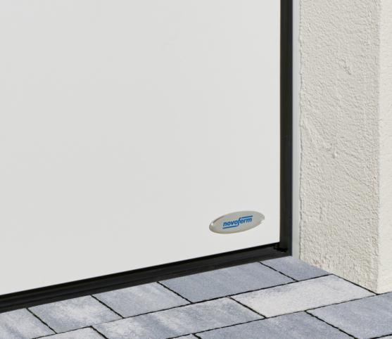 11_Détail des joints de calfeutrement périphériques et bas - porte de garage sectionnelle ISO 45 Novoferm - Coloris satin white.jpg