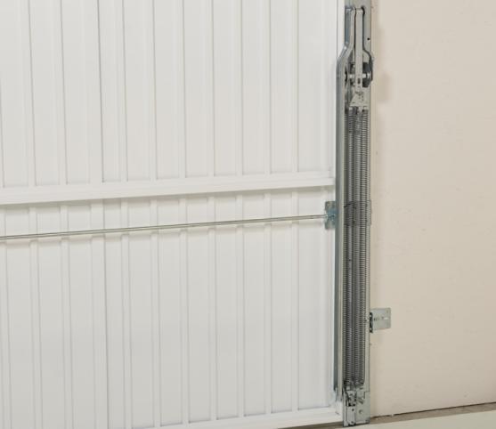 11_Détail vue intérieure - équilibrage par packs multi-ressorts (2x3 ressorts) - porte de garage basculante DL Novoferm.jpg