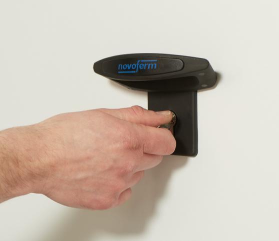 12_Détail option poignée extérieure de levage et serrure - Porte de garage sectionnelle ISO 45 Novoferm.jpg