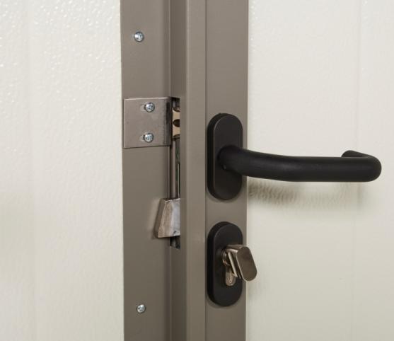 13_Détail option portillon - Vue intérieure - poignée et serrure portillon porte de garage basculante et portillon sans nervures noviso gris pyrite.jpg