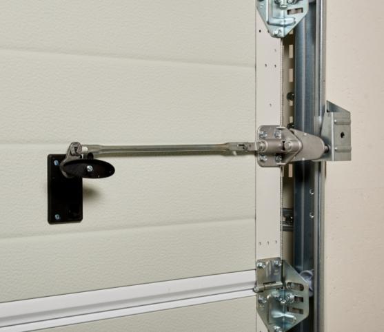 14_Détail option système de verrou intérieur sécurité - Porte de garage sectionnelle ISO 45 Novoferm.jpg