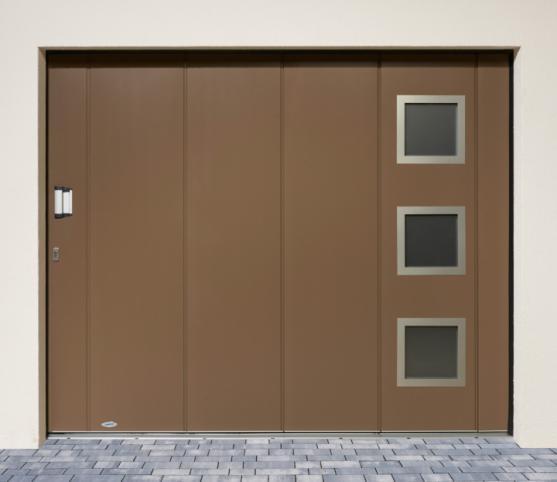 7_Porte de garage refoulement latérale  - Option  Coloris RAL 7006 Gris Beige - Option 3 Hublots carré Inox Ref.12.jpg