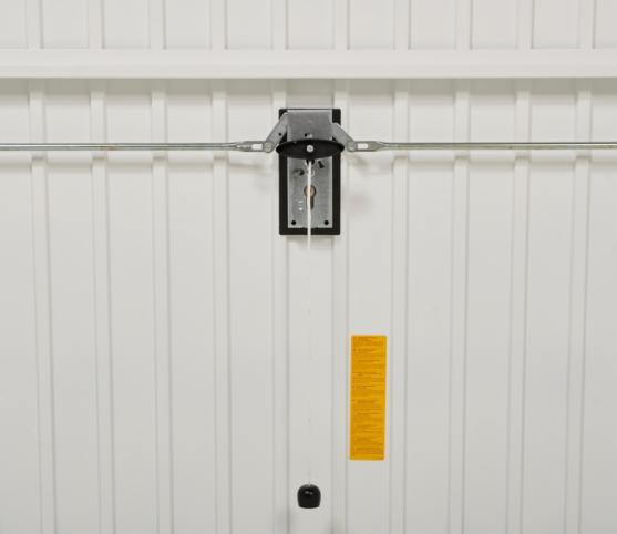 9_Détail vue interieure - système de fermeture à sécurité optimale à double points de verouillage -  porte de garage basculante DL Novoferm.jpg