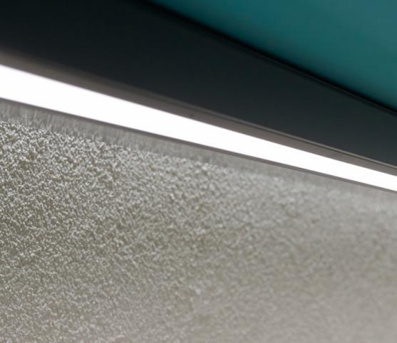 18_Détail bandeaux lumineux en option - Store Pergola  Coffre ROCHE Habitat modèle VIZversa - Armature RAL 7016 Anthracite.jpg